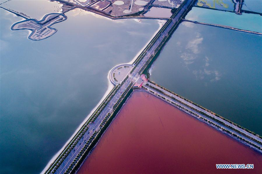 Colorful salt lakes seen in Yuncheng city, Shanxi